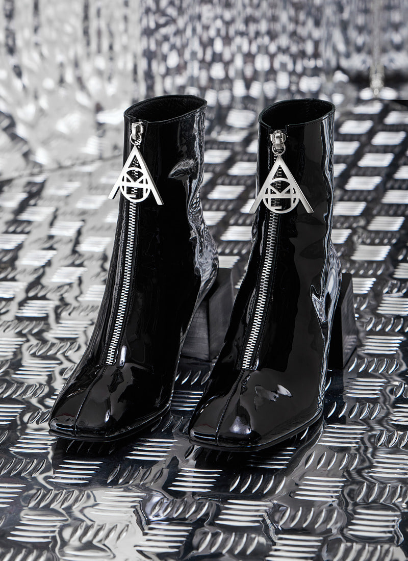 NEW YEAR COLLECTION LOGO ZIPPER BOOTS BK
