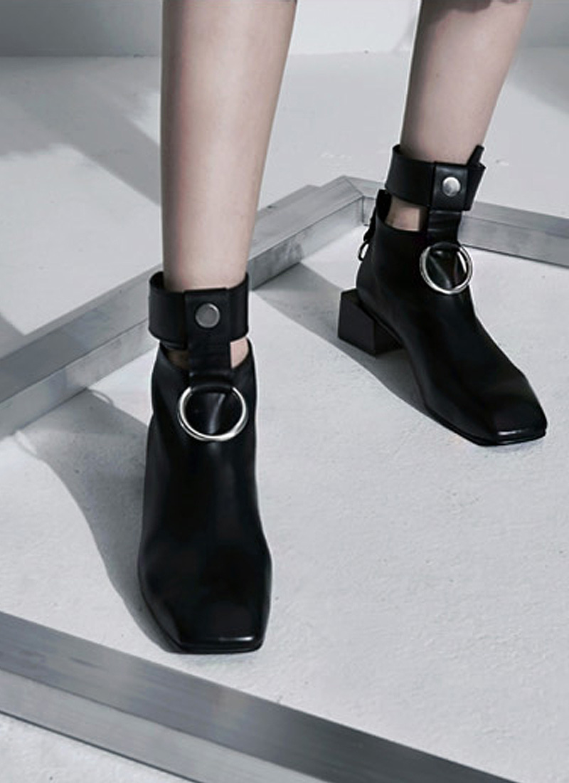 [MODERN LINE] Innocence Ornament Ankle Boots